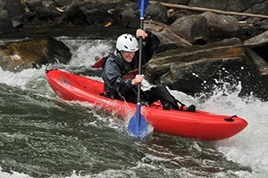 Geyser Whitewater - 1/2 day Kayak trip :: Join us on our exclusive training lake for a kayak clinic. Geared towards families and first timers, we'll have you paddling in no time. Half and full day private lessons.