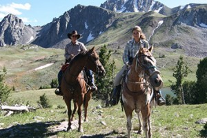 Yellowstone Mountain Guides - horseback rides :: Daily guided trail rides (2-hour, 1/2 and full day) in and outside Yellowstone Park. Perfect for West Yellowstone & Big Sky guests. 30+ years experience in the Park.
