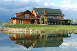 Gallatin River Lodge - close to Bozeman Airport :: Our close proximity to the airport makes us a favorite for travelers who want to relax on their first or last night in Bozeman. Suites, lodge room & fine dining.