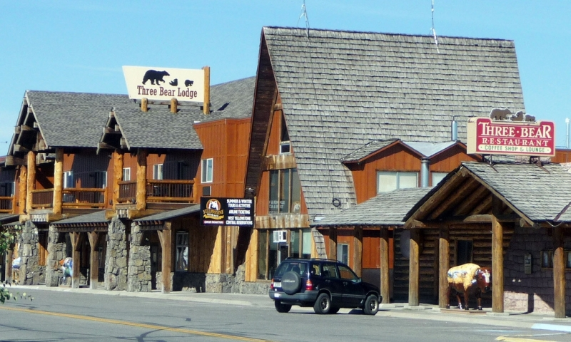 West yellowstone montana big sky vacations alltrips for Yellowstone cabins west yellowstone