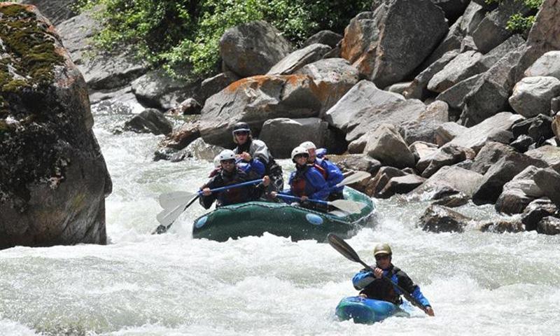 Kayaking and Rafting the Gallatin River